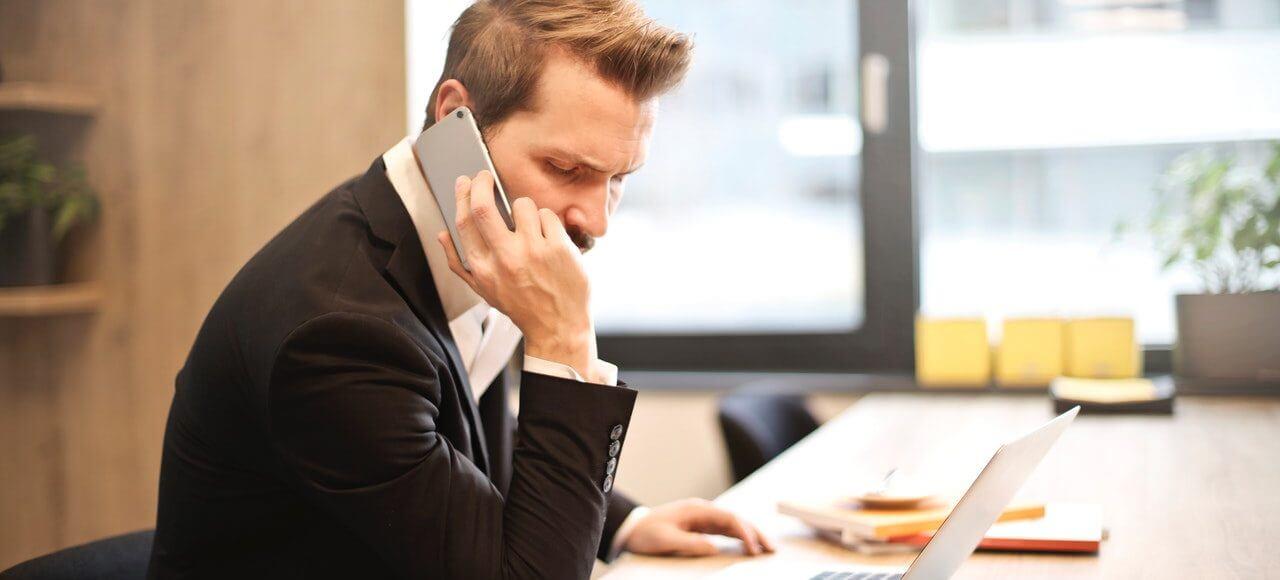 Rozmowa telefoniczna - abonament